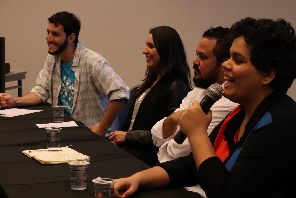 Participantes da segunda mesa em talk sobre tecnologia e seu impacto no voluntariado empresarial